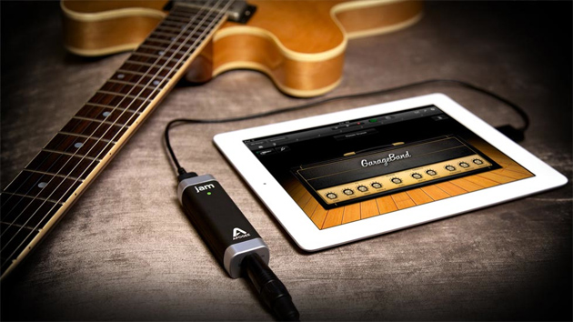 three-easy-music-recording-setups-for-guitarists-apogee-jam-ipad1